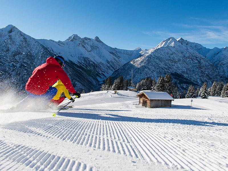 [Translate to Niederländisch:] Winter im Lechtal Skifahren