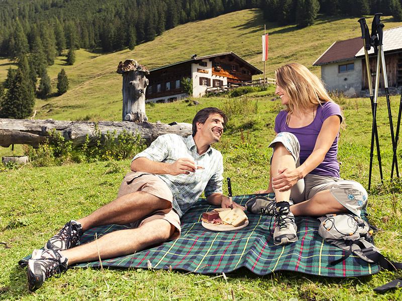 Sommer Picknick Alm Lechtal